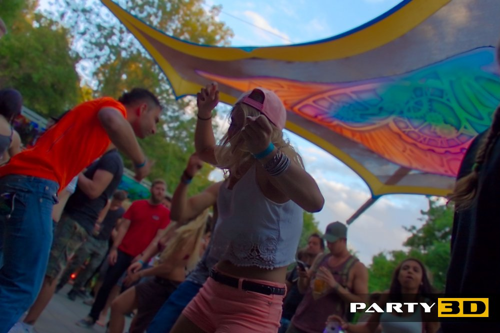 COSMIC Poolparty – Psy-Fi